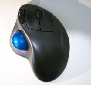 我が家で使用しているロジクールのトラックボールマウス