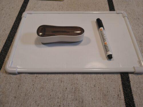 ホワイトボードとペン